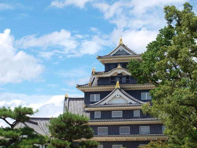岡山城のライトアップは秋の烏城灯源郷と後楽園の幻想庭園へ駐車場は?